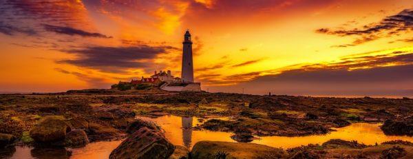 Leuchturm im Sonnenuntergang